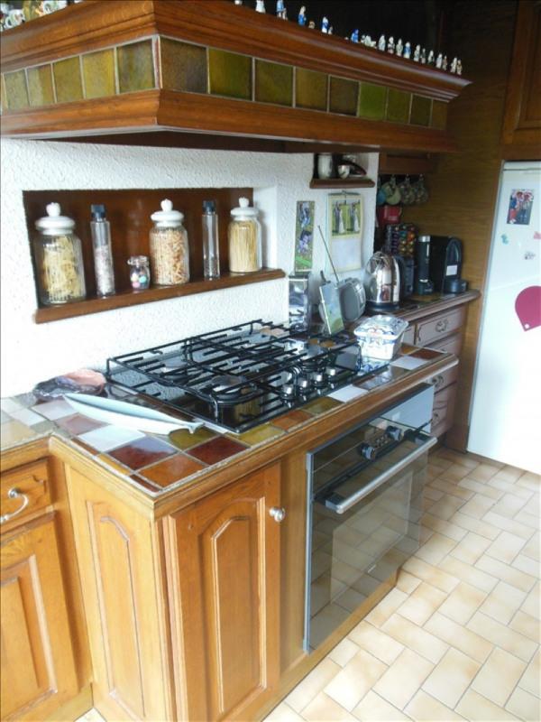 Sale house / villa Montmain 220000€ - Picture 6