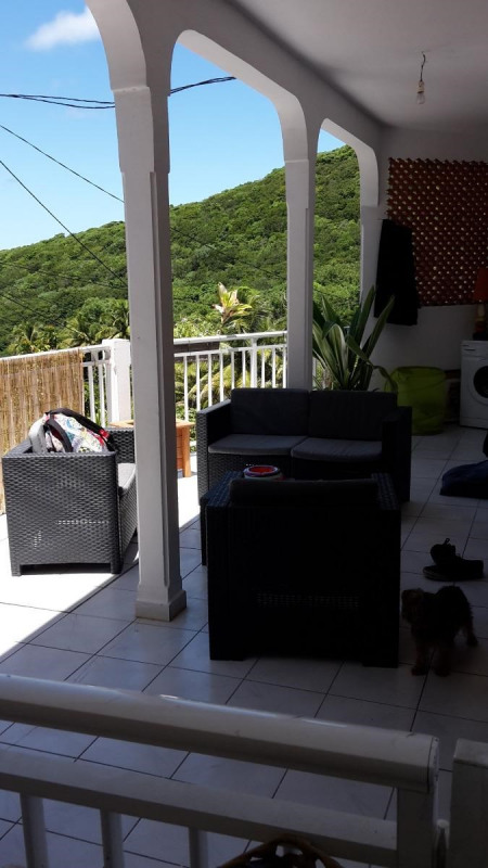 Rental apartment Vieux fort 720€ CC - Picture 1