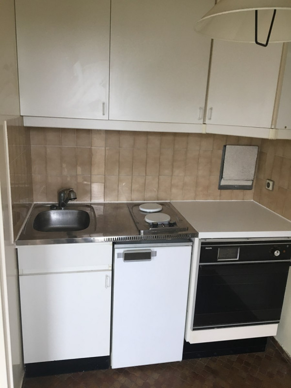 Rental apartment Courbevoie 810€ CC - Picture 5