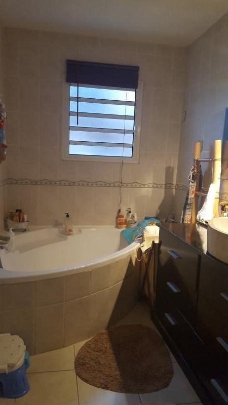 Rental house / villa La possession 1400€ +CH - Picture 6