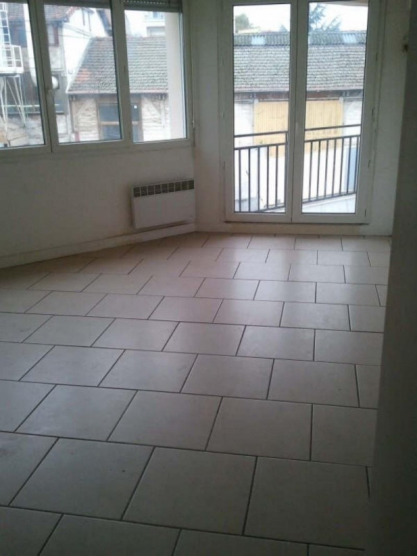 Rental apartment Aubervilliers 650€ CC - Picture 2