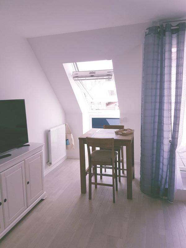 Location appartement Le pré-saint-gervais 940€ CC - Photo 3