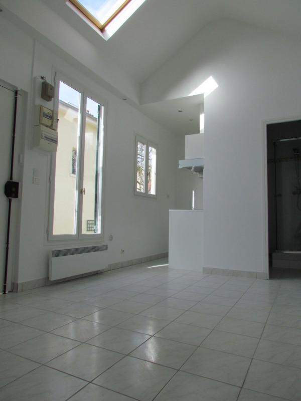 Rental apartment Champigny sur marne 699€ CC - Picture 2