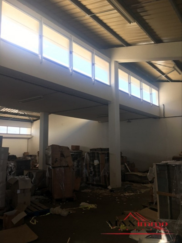 Location local commercial St pierre 10000€ HT/HC - Photo 3
