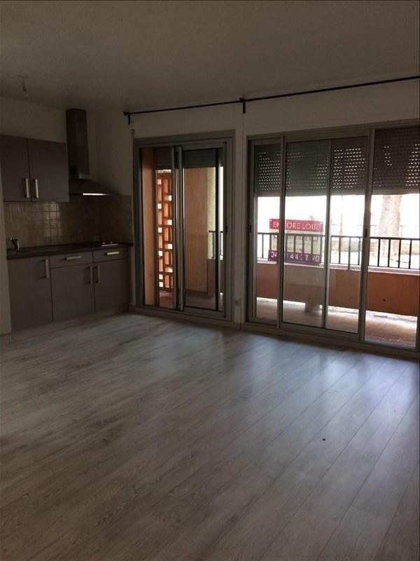 Investment property apartment Salon de provence 109000€ - Picture 2