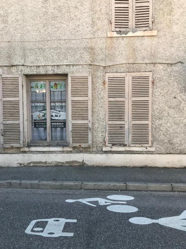 Location local commercial Vernaison 31€ HT/HC - Photo 1