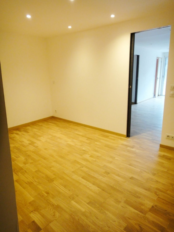 Location appartement Rians 462€ CC - Photo 3
