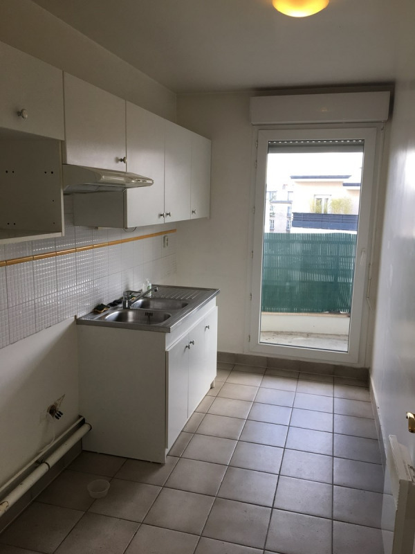 Rental apartment Colombes 1373€ CC - Picture 7