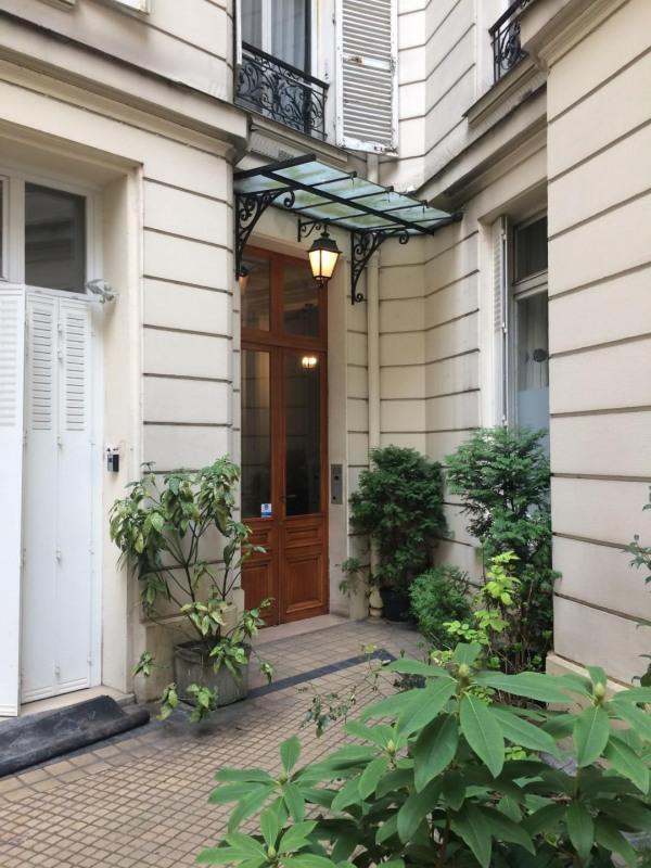 Rental apartment Paris 17ème 1410€ CC - Picture 2