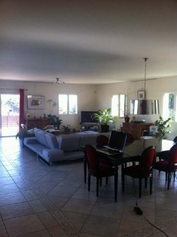 Rental house / villa Pusignan 1950€ CC - Picture 4