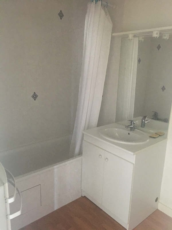 Location appartement Poitiers 462€ CC - Photo 4