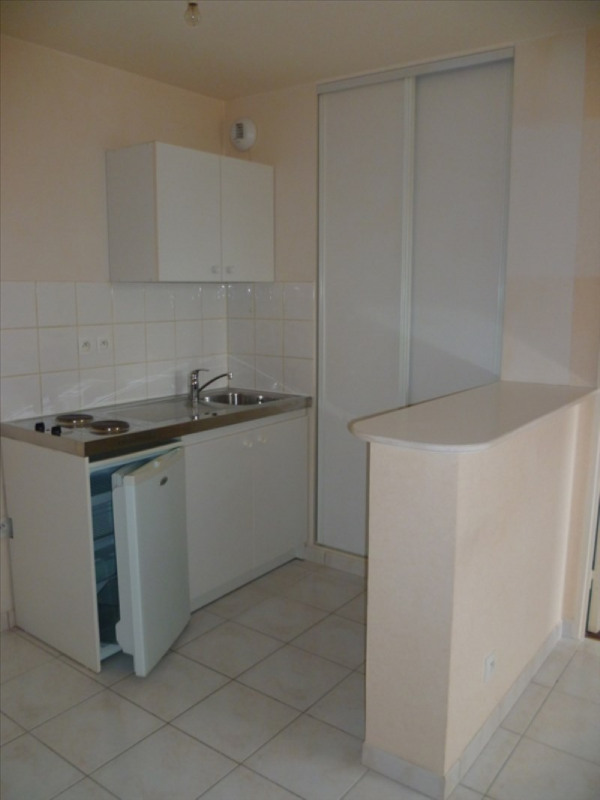 Location appartement Falaise 358€ CC - Photo 3