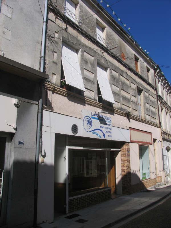 Sale building Montbron 91900€ - Picture 8