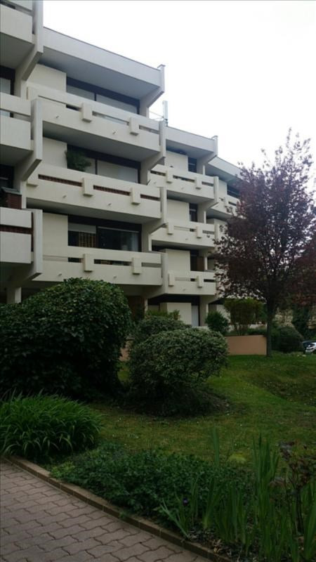 Location appartement Chatou 895€ CC - Photo 1