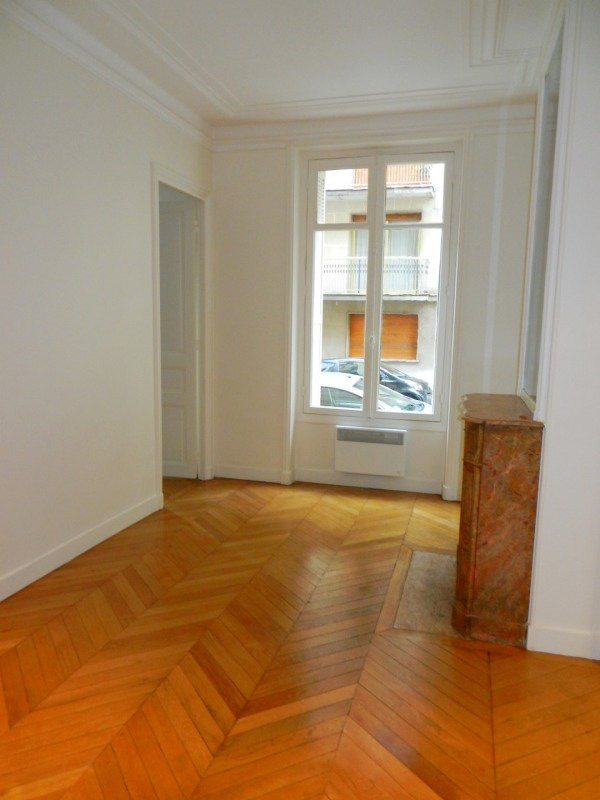 Location bureau Paris 8ème 3 575€ HC - Photo 7