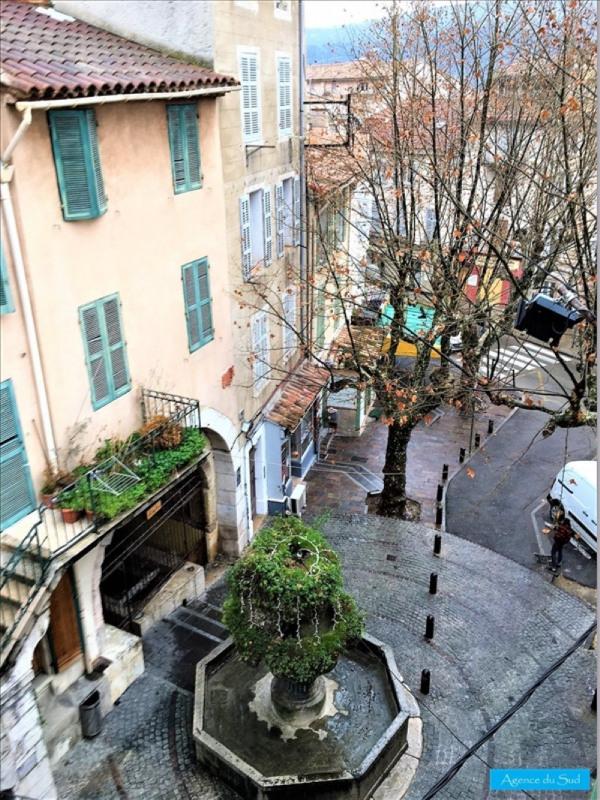 Location appartement Cuges les pins 460€ CC - Photo 1