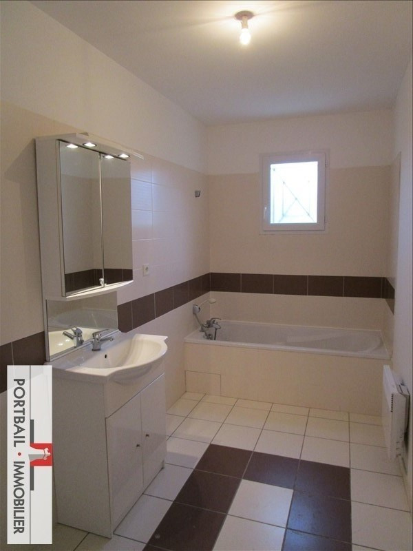 Location maison / villa Cartelegue 682€ CC - Photo 6