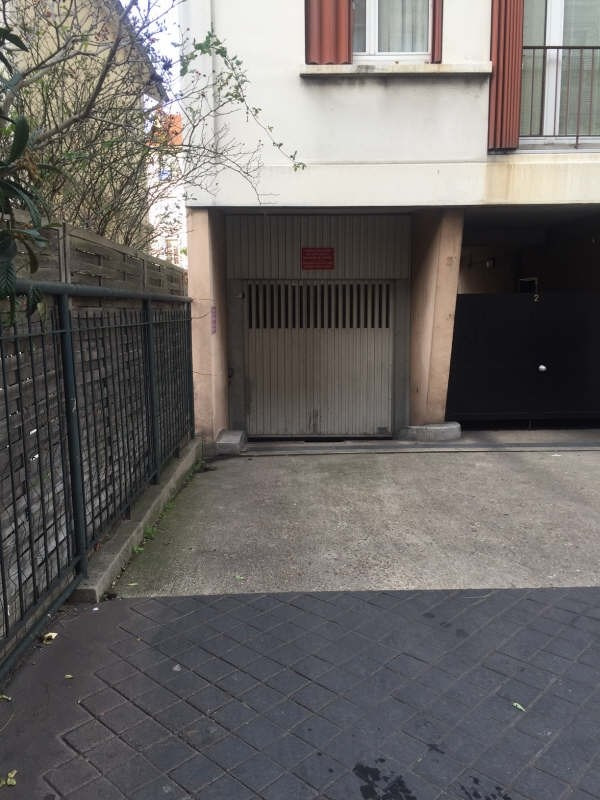 Rental parking spaces Colombes 75€ CC - Picture 1