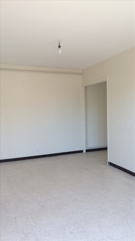 Location appartement Lunel 450€ CC - Photo 1