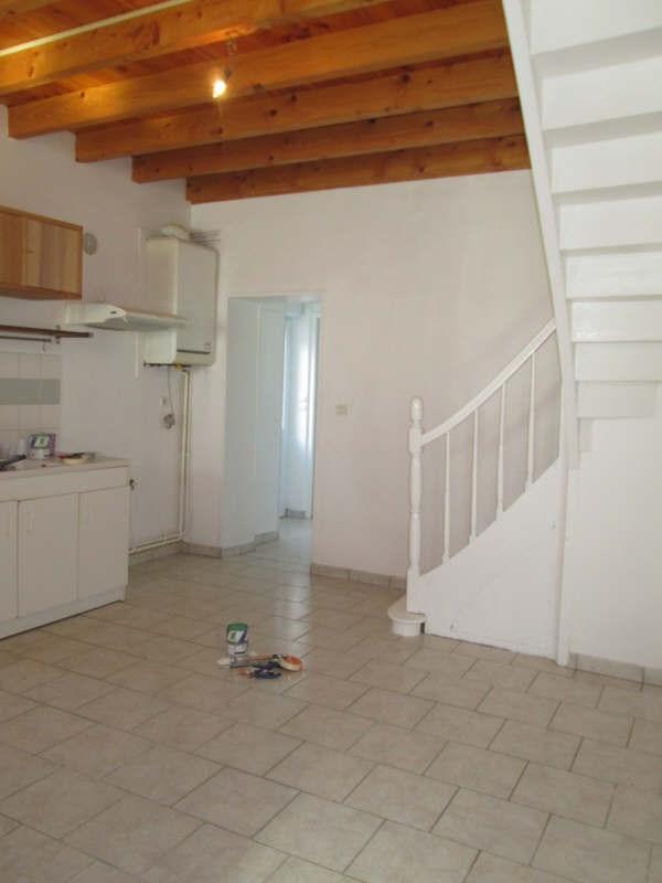 Rental house / villa St yzan de soudiac 590€ CC - Picture 2