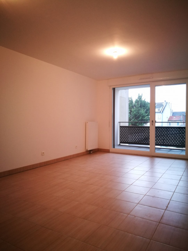 Location appartement Melun 860€ CC - Photo 2