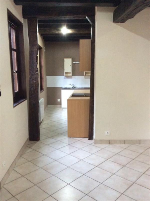 Location appartement Auxerre 420€ CC - Photo 1
