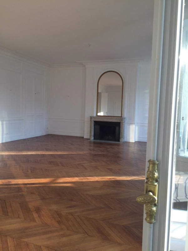 Location appartement Paris 16ème 12 000€ CC - Photo 5