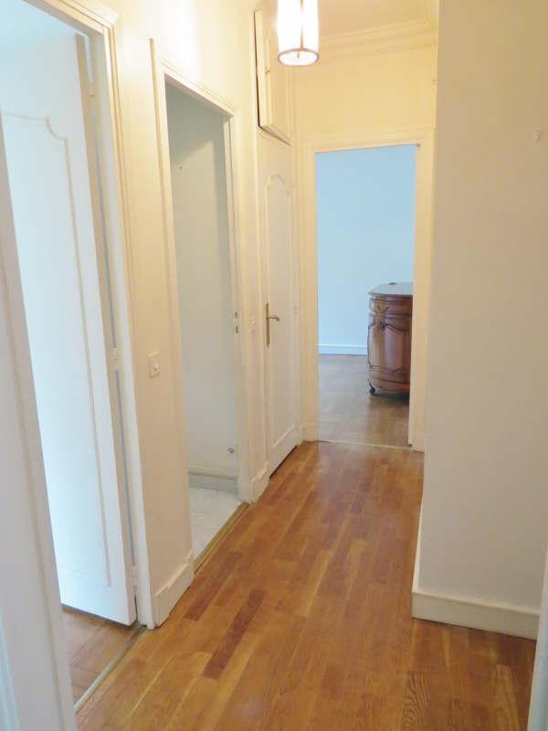 Rental apartment Le mesnil le roi 2300€ CC - Picture 10