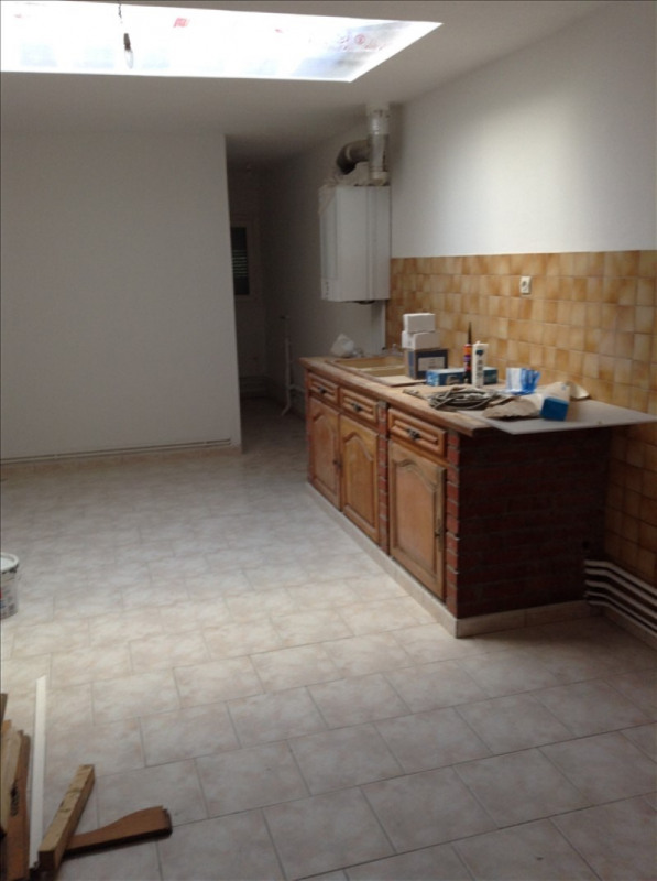 Rental house / villa St quentin 730€ CC - Picture 3