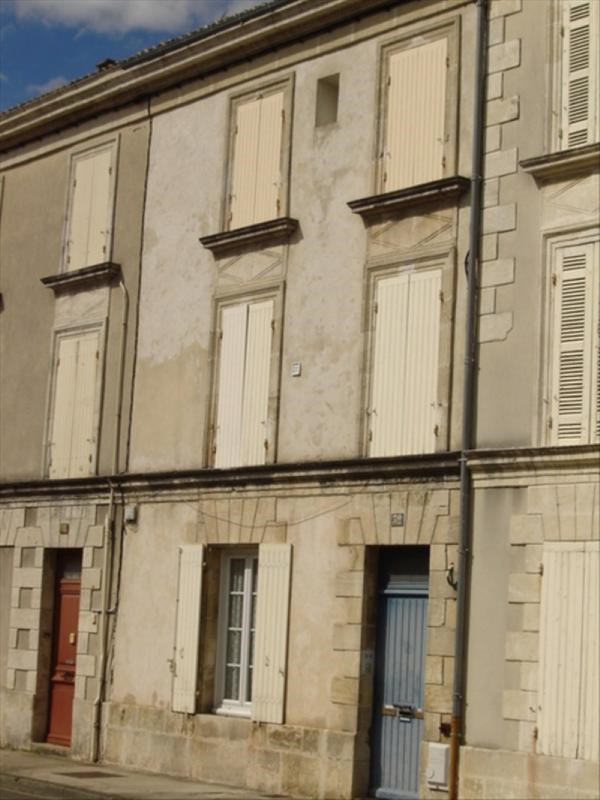 Sale building St jean d angely 149100€ - Picture 1