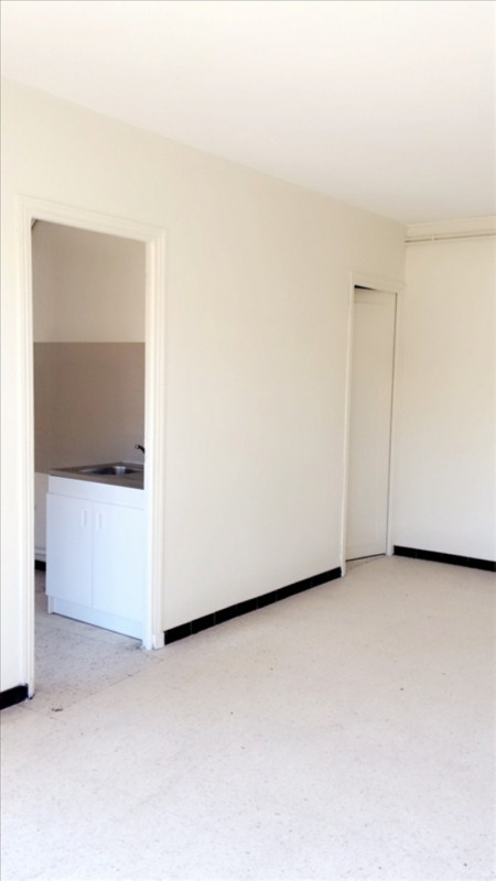 Location appartement Lunel 450€ CC - Photo 2