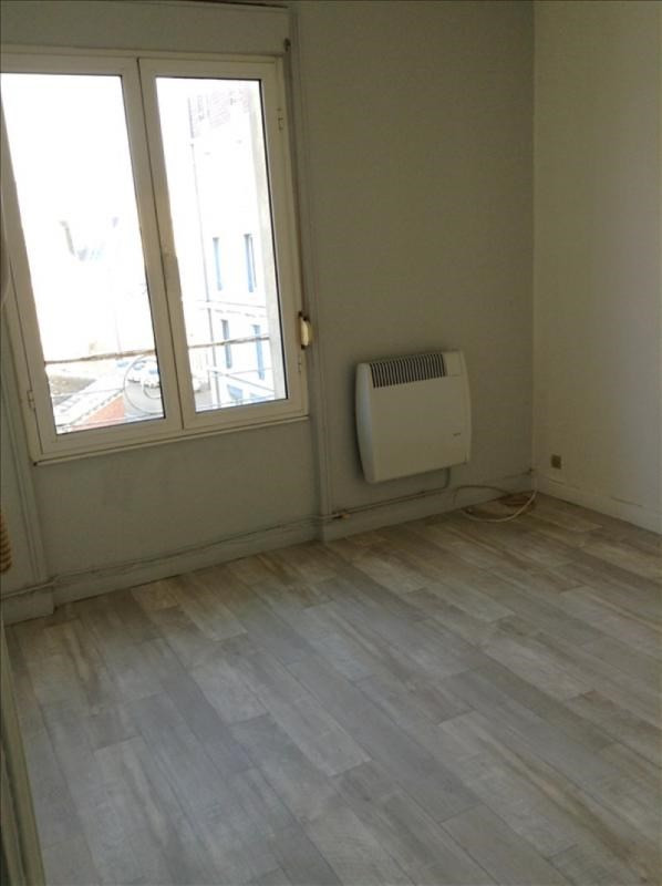 Location appartement 02100 410€ CC - Photo 4