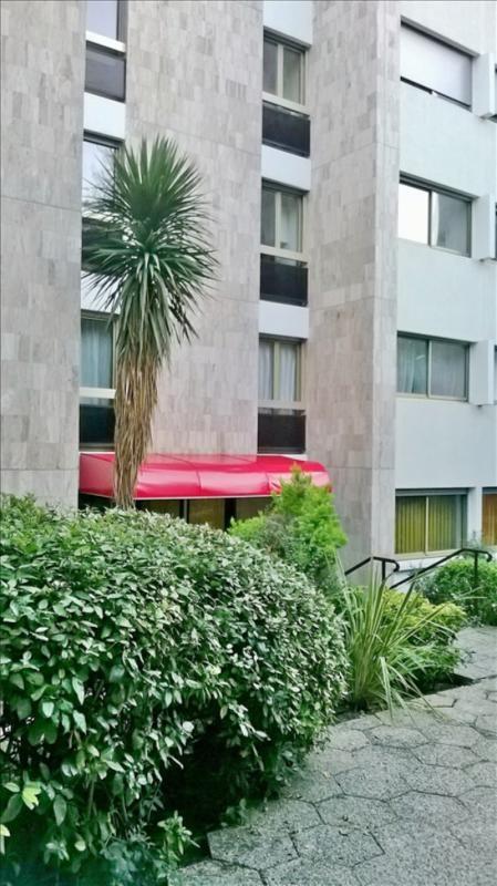 Sale apartment Marseille 8ème 384000€ - Picture 3