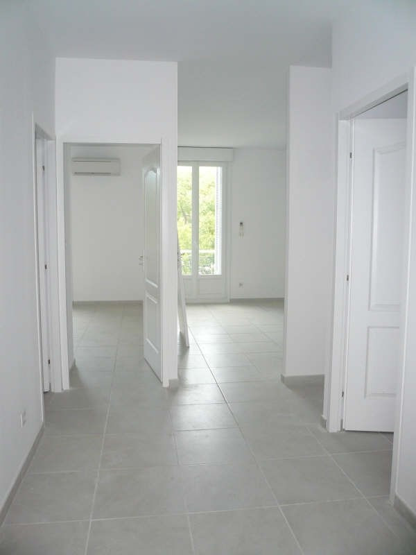 Rental apartment Nimes 1 050€ CC - Picture 2