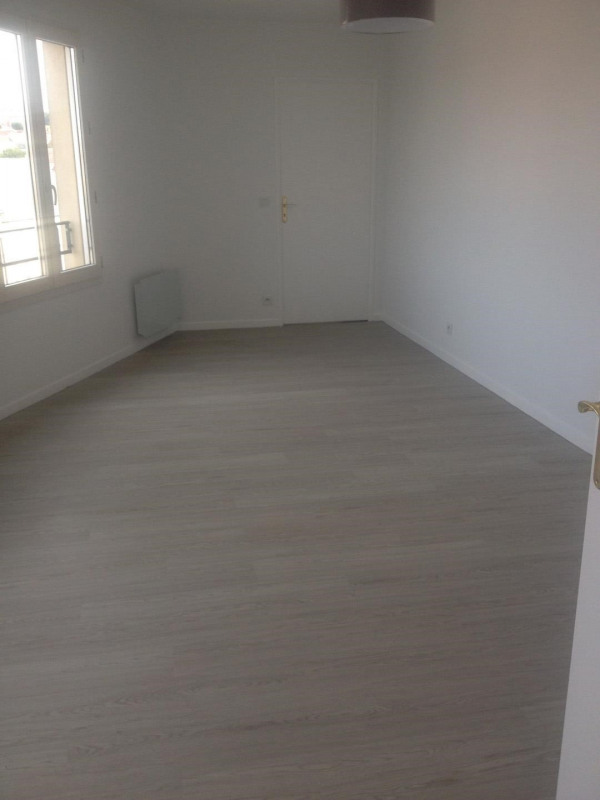 Rental apartment Montlhéry 728€ CC - Picture 2