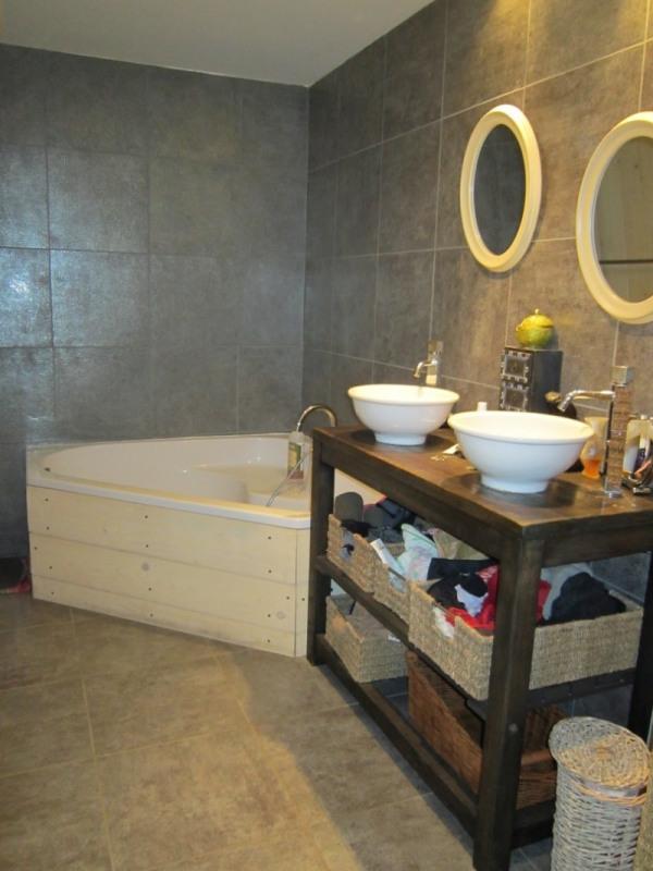 Sale house / villa Morestel 182000€ - Picture 4