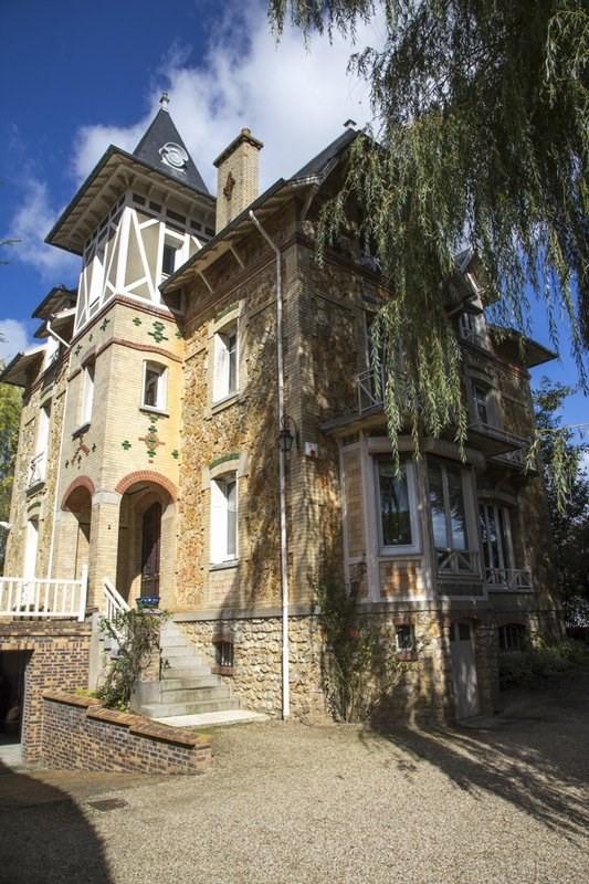 Deluxe sale house / villa Orgeval 1400000€ - Picture 1
