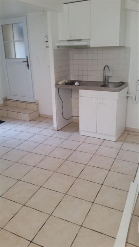 Rental apartment Corbeil essonnes 580€ CC - Picture 2