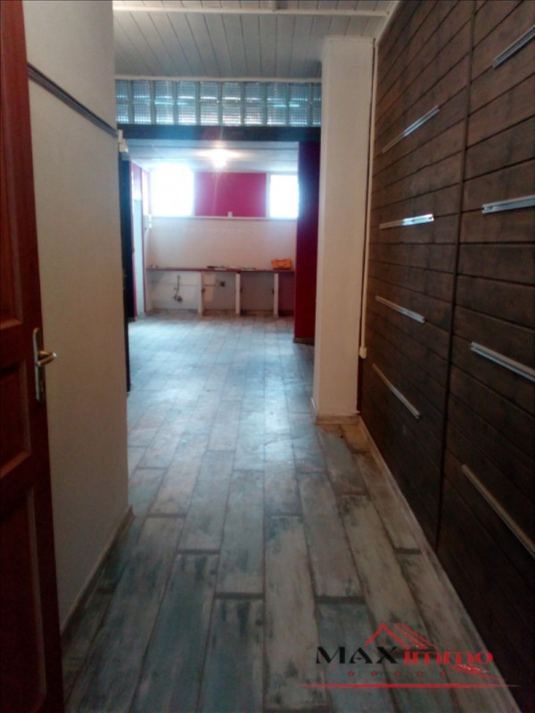 Location local commercial St pierre 1000€ HT/HC - Photo 2