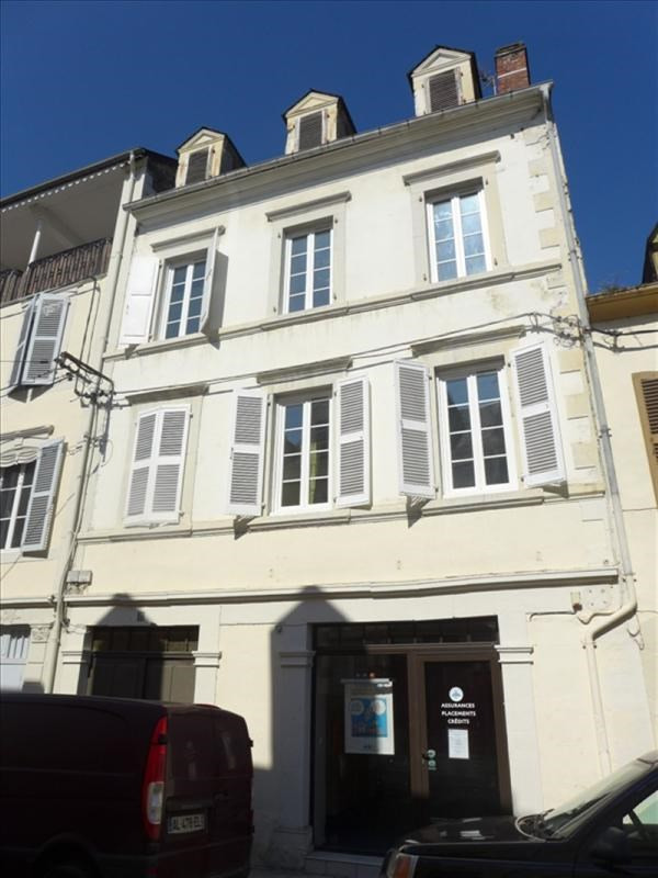 Sale building Nay 315 000€ - Picture 1
