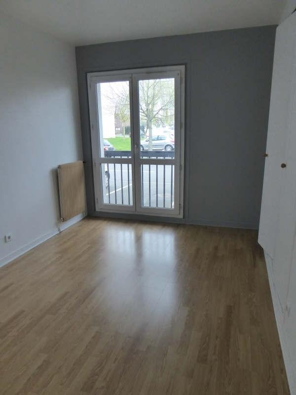 Rental apartment Maurepas 759€ CC - Picture 3