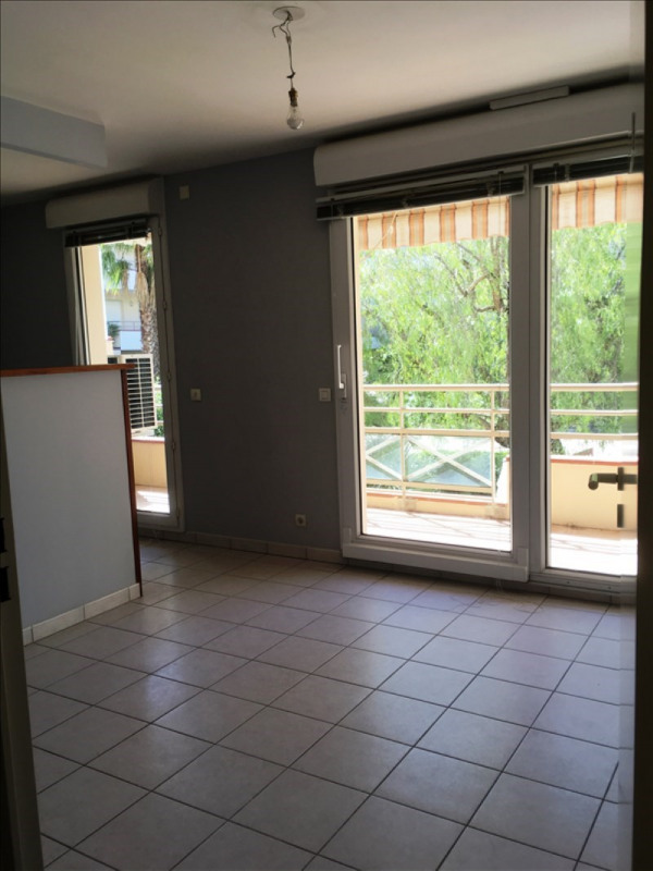 Location local commercial Hyeres 1000€ +CH/ HT - Photo 3