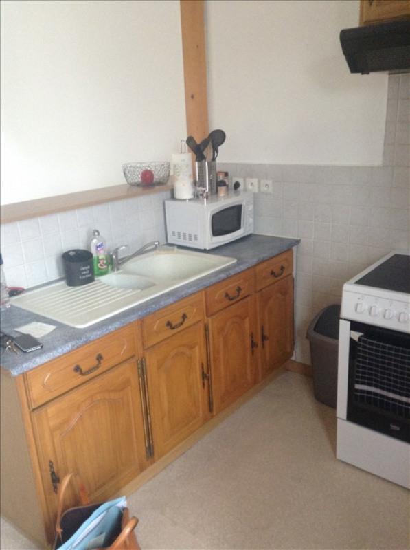 Rental apartment St quentin 405€ CC - Picture 2
