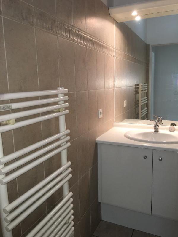 Sale apartment Courbevoie 440000€ - Picture 5