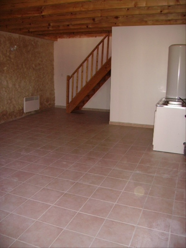 Location appartement Pauillac 395€ CC - Photo 1