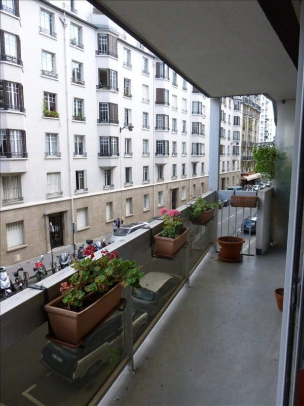 Locação apartamento Paris 15ème 1490€ CC - Fotografia 8
