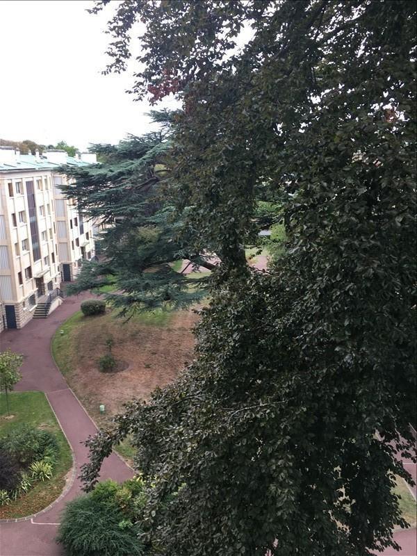 Rental apartment St germain en laye 1559€ CC - Picture 2