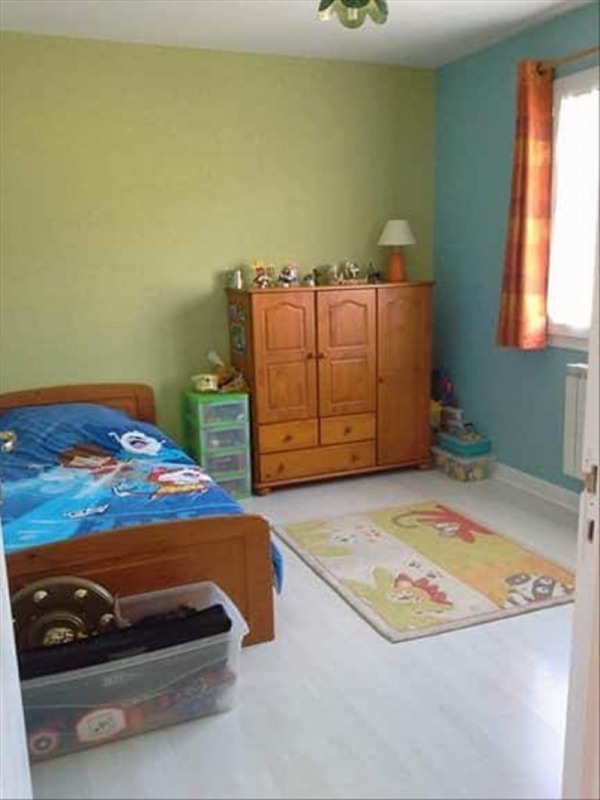 Sale house / villa St gobain 188000€ - Picture 4