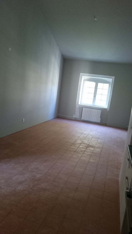 Location appartement Nimes 832€ CC - Photo 2