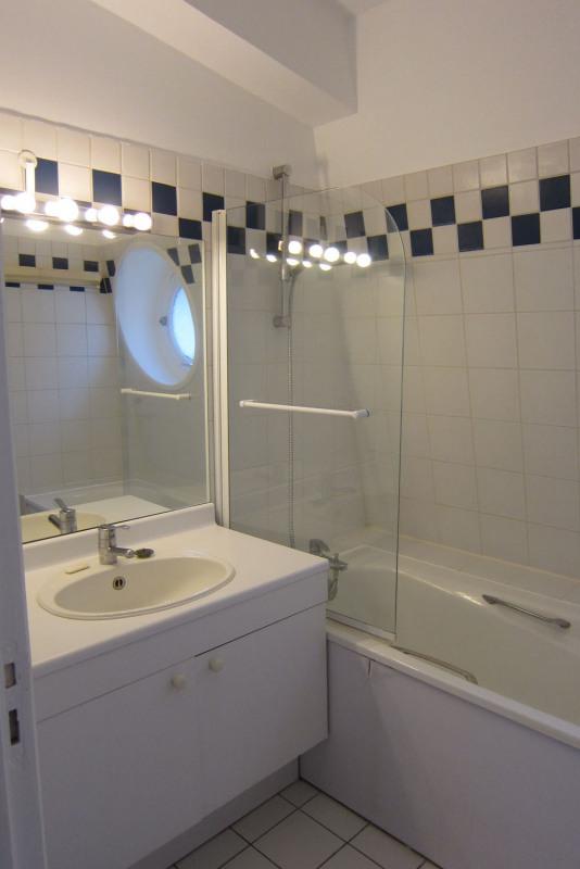 Rental apartment Paris 9ème 1590€ CC - Picture 12